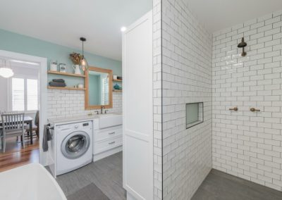 combined-laundry-bathroom
